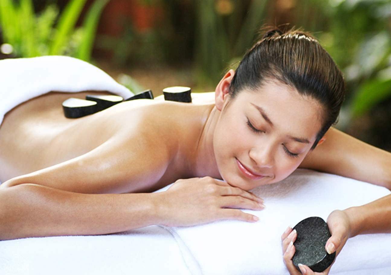 Pamper yourself from head to foot with relaxing massages, aromatherapy and reflexology
